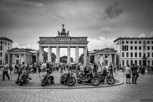 BGP Street scene at Brandenburg Gate in Berlin, Germany