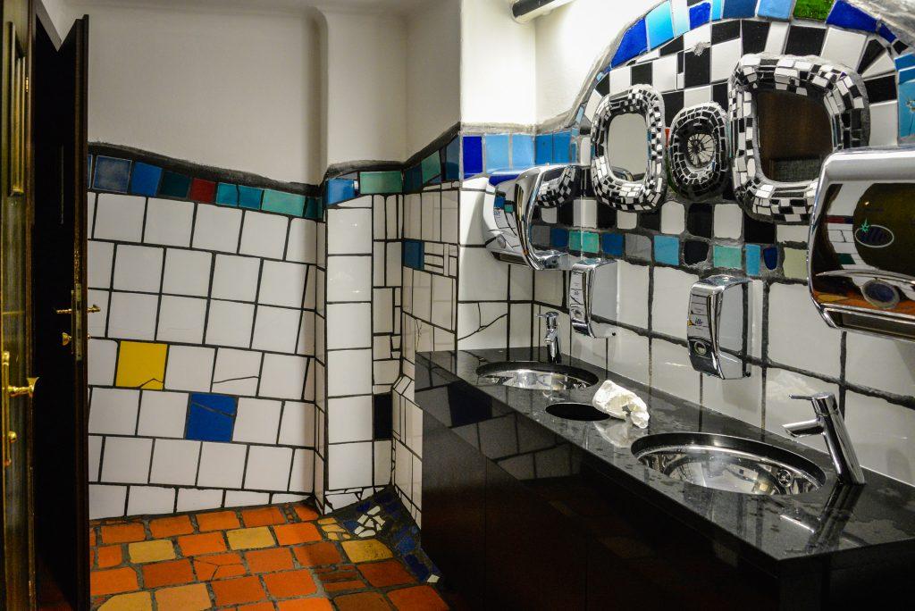 kunst-haus-wien-bathroom
